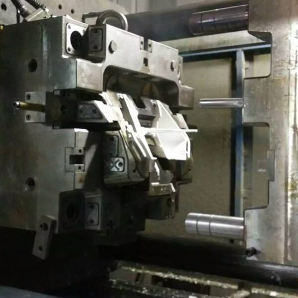 BMC injection mould 04